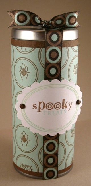 081407_spooky_spider_tin_2