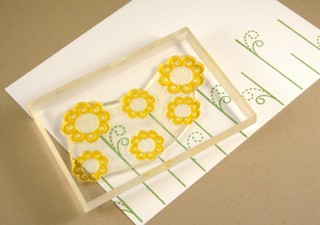 020408_stamping_daisies