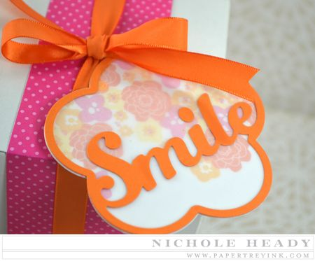 Floral Smile Tag