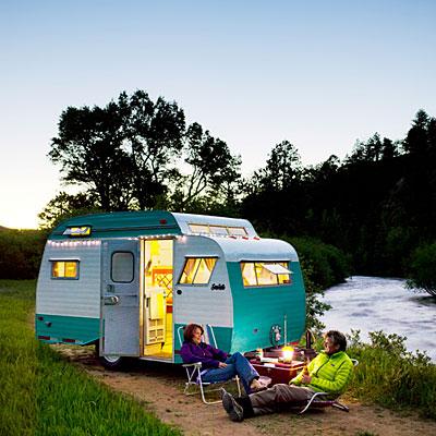 Trailer-travel-scotty-hilander-outside-south-platte-river-0812-l