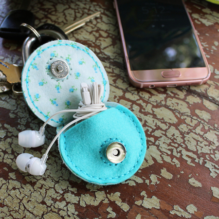 Bird Earbud Pouch Key Fob 3